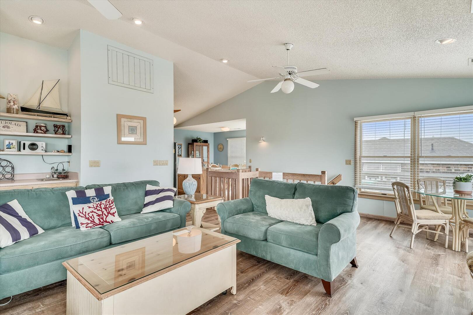 Upper/ Main Floor,Living Area,