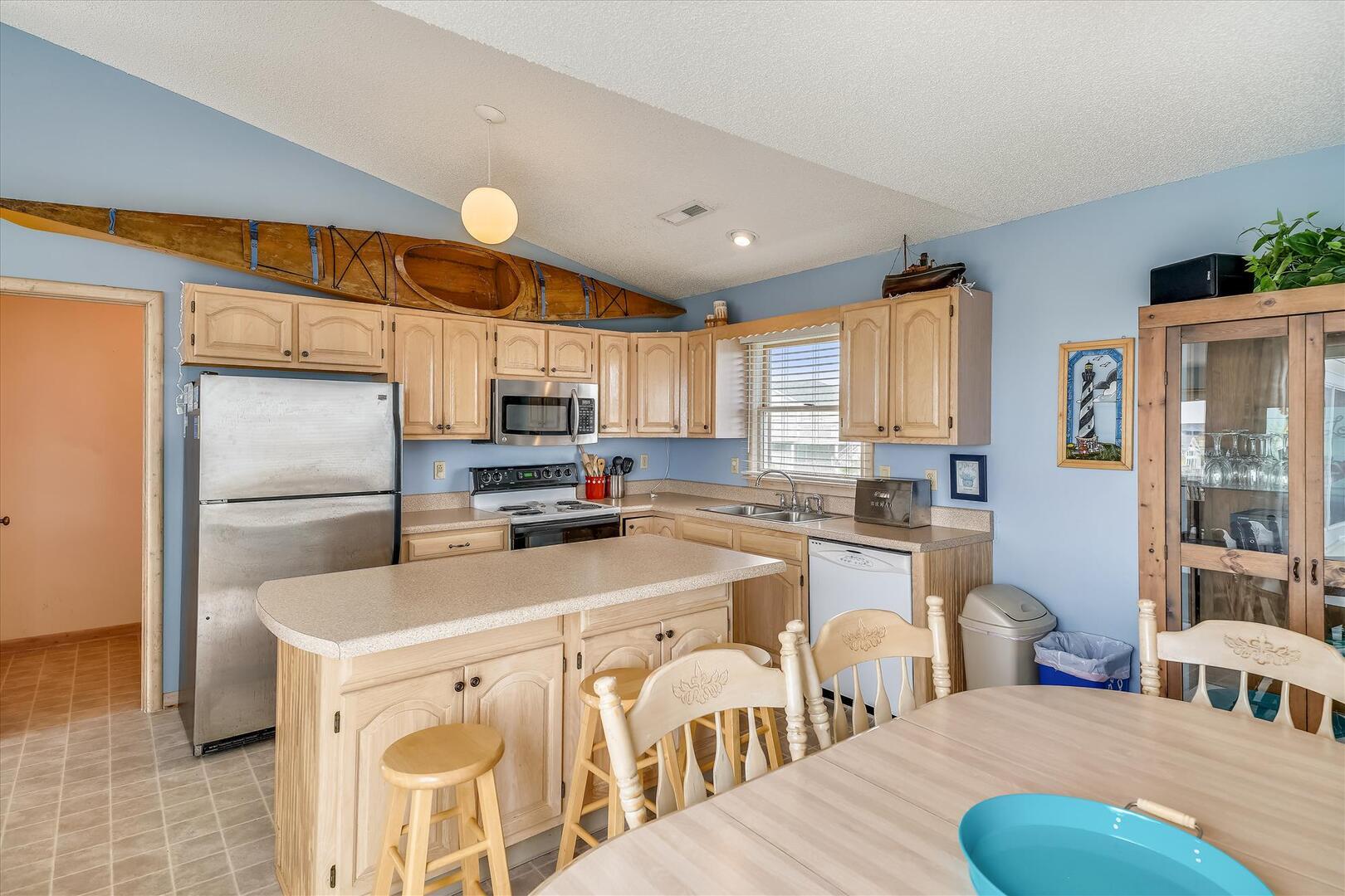 Upper/ Main Floor,Dining Area,