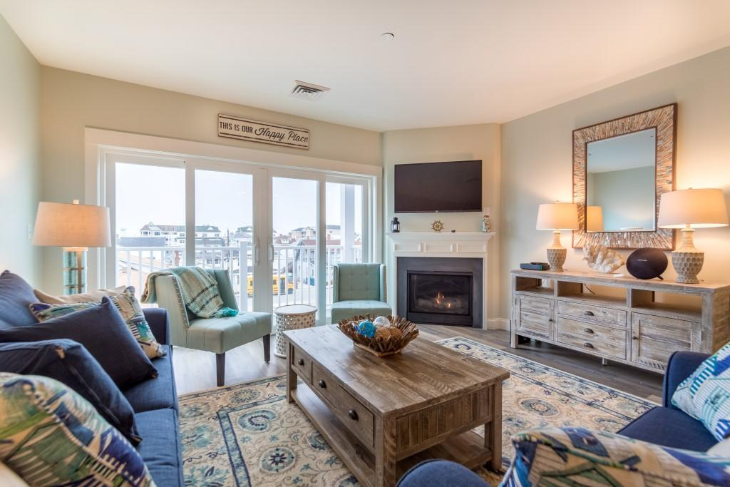 20 N Street Apt 305, Hampton Beach, NH