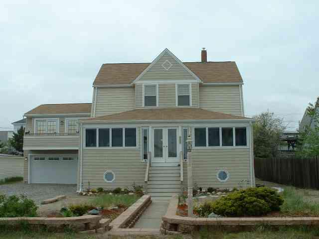 212 Atlantic Ave. Down, Seabrook, NH
