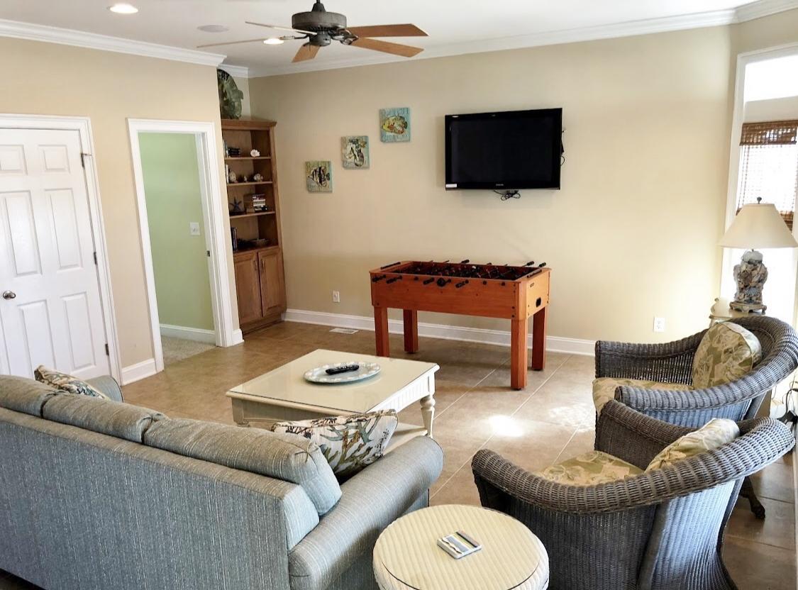 2nd living area/wet bar on 1st floor
