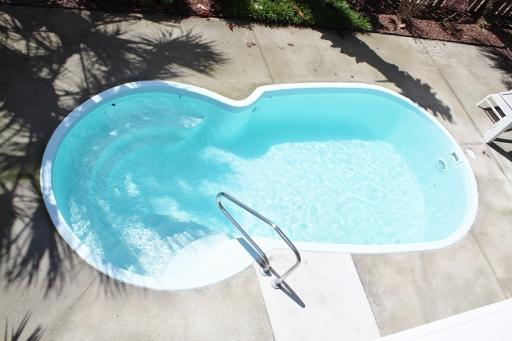 Pool (Size 23X10)