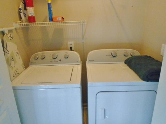 Washer/Dryer/Upstairs
