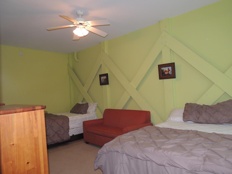 Ground Floor 2 Queen Beds