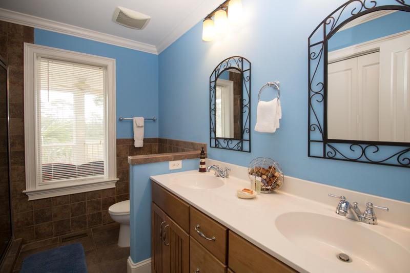 En suite bath for downstairs queen bedroom