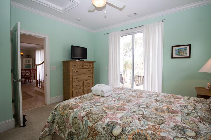 Second floor queen master bedroom with en suite bath