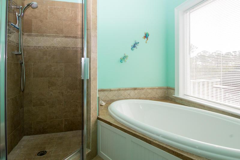 Second floor en suite master bath