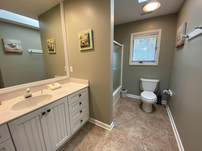 Upstairs bath between bedrooms 2 and 3