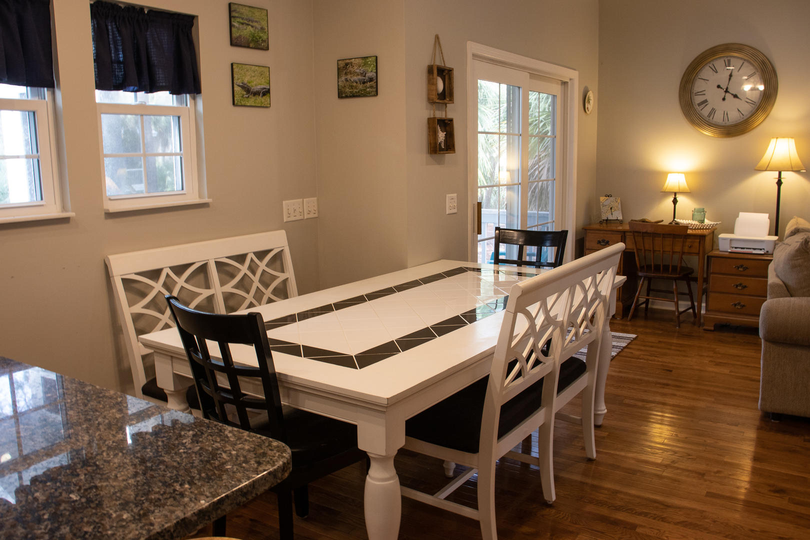 Dining, 6 seats at table, next to kitchen