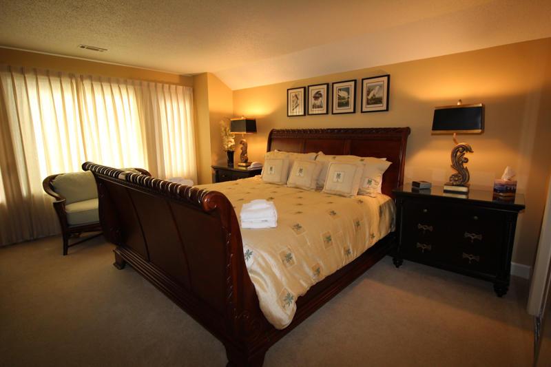 Upstairs king bedroom
