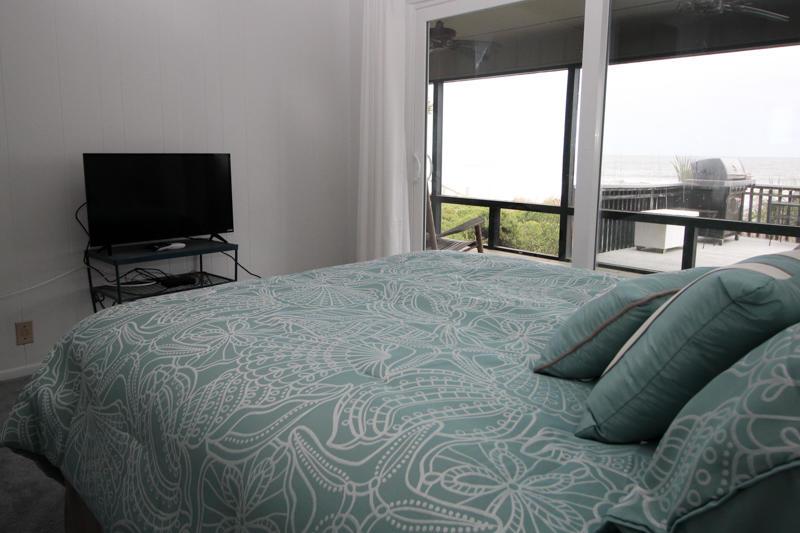2nd Floor Bedroom-Ocean Side Right