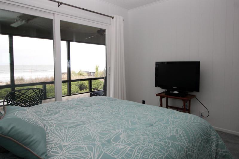 2nd Floor Bedroom-Ocean Side Left