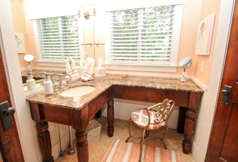 King En Suite Bath