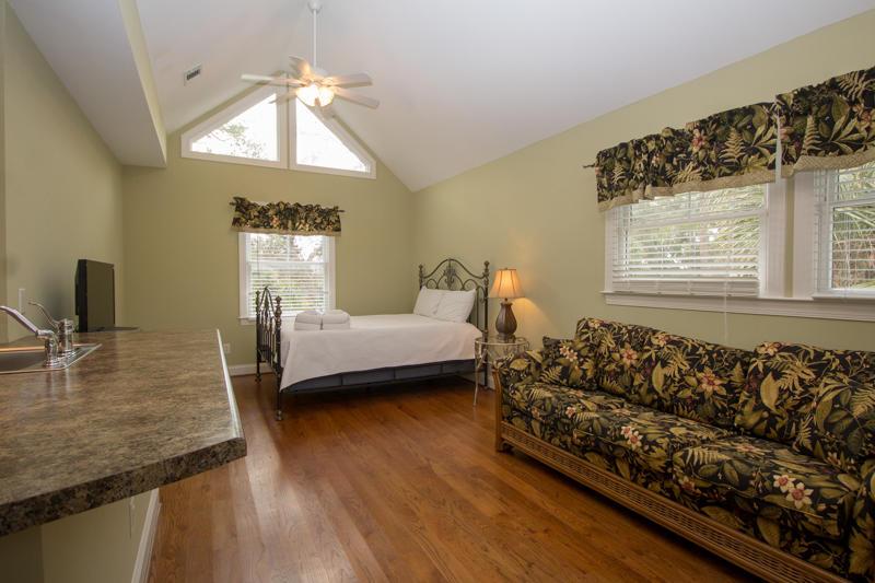 Detached Loft bedroom and bathroom