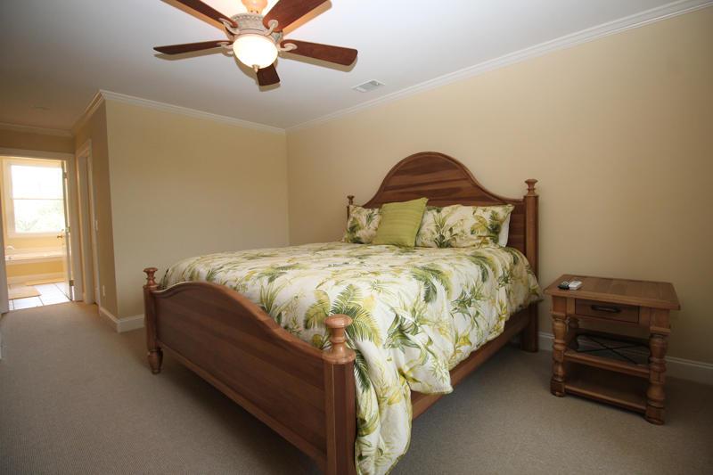 Second floor king master bedroom with en suite bath