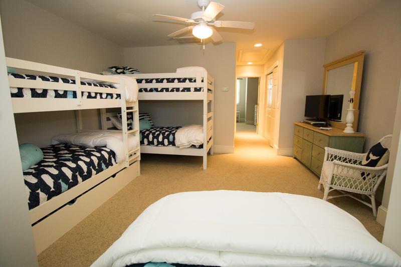 2nd Floor Bunk Room