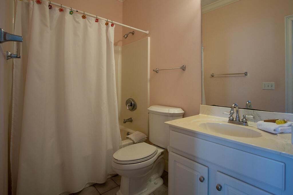 En suite bath for first floor King bedroom
