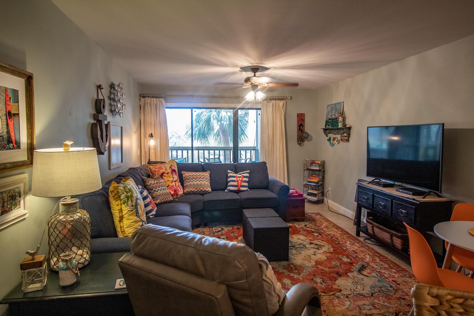 Living, TV, access to balcony