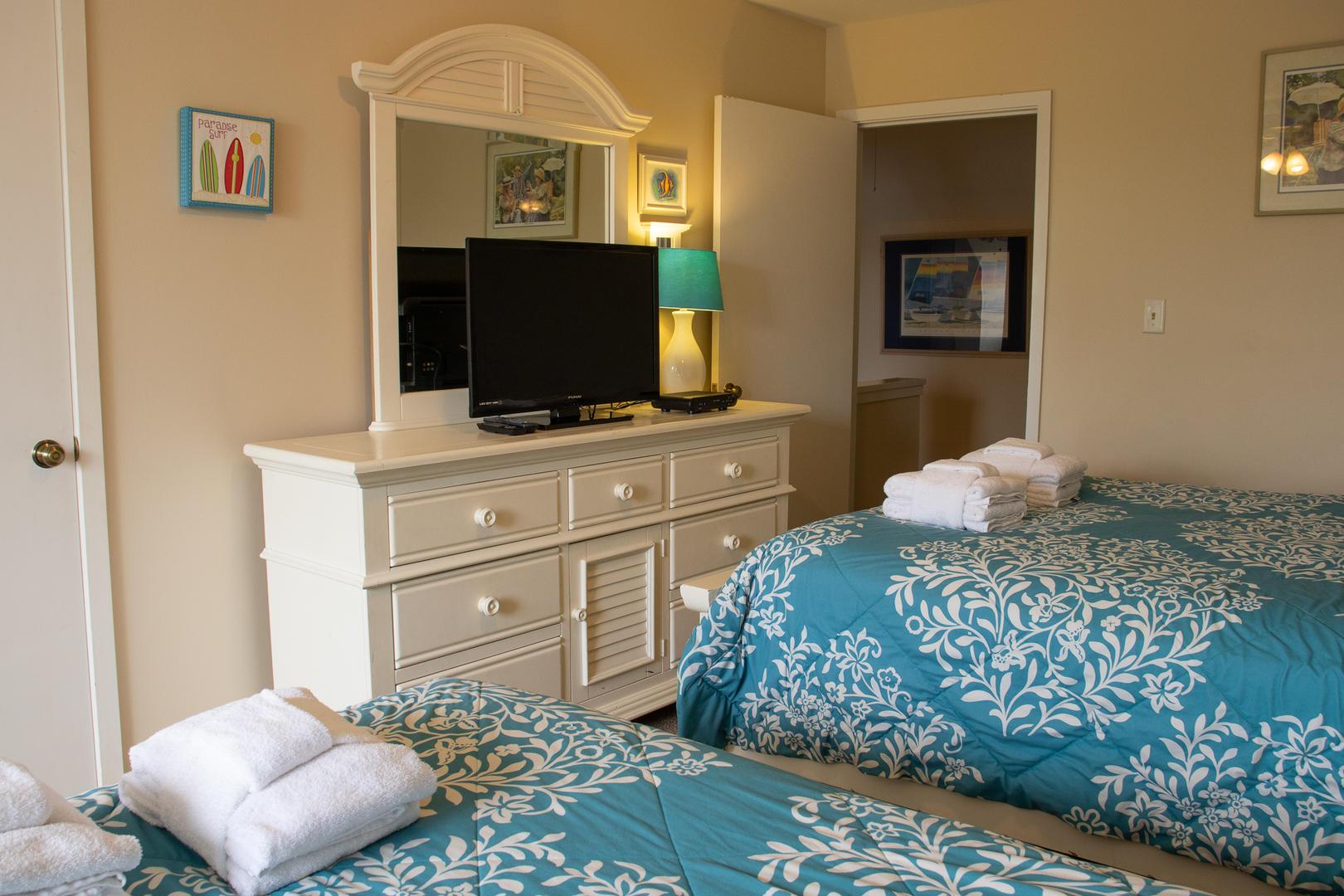 Bedroom 2, 2nd floor, TV