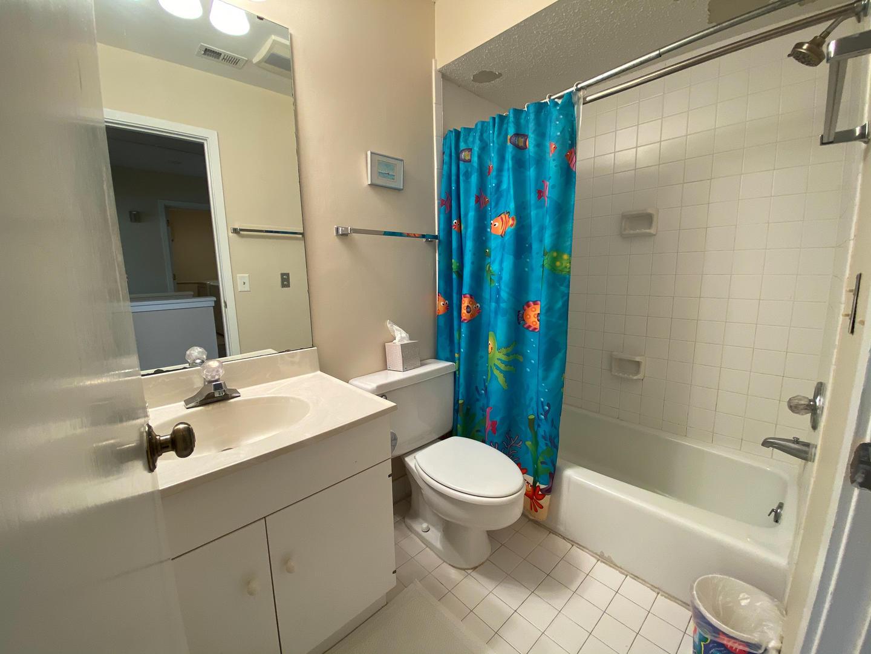 Upstairs bath, next to bedroom 1