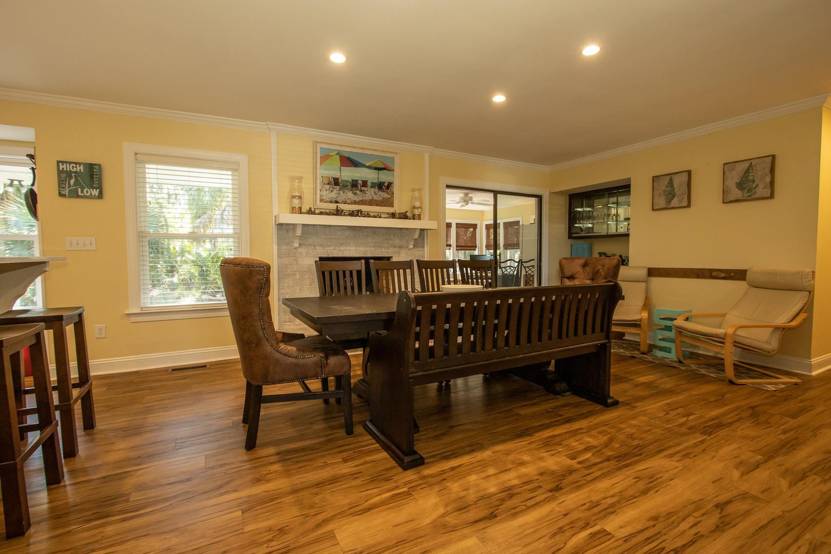 Dining, 10 seat table, mini bar, access to sunroom