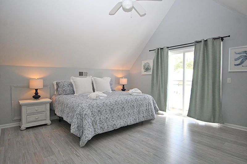 Master bedroom with King bed and en suite Master bath