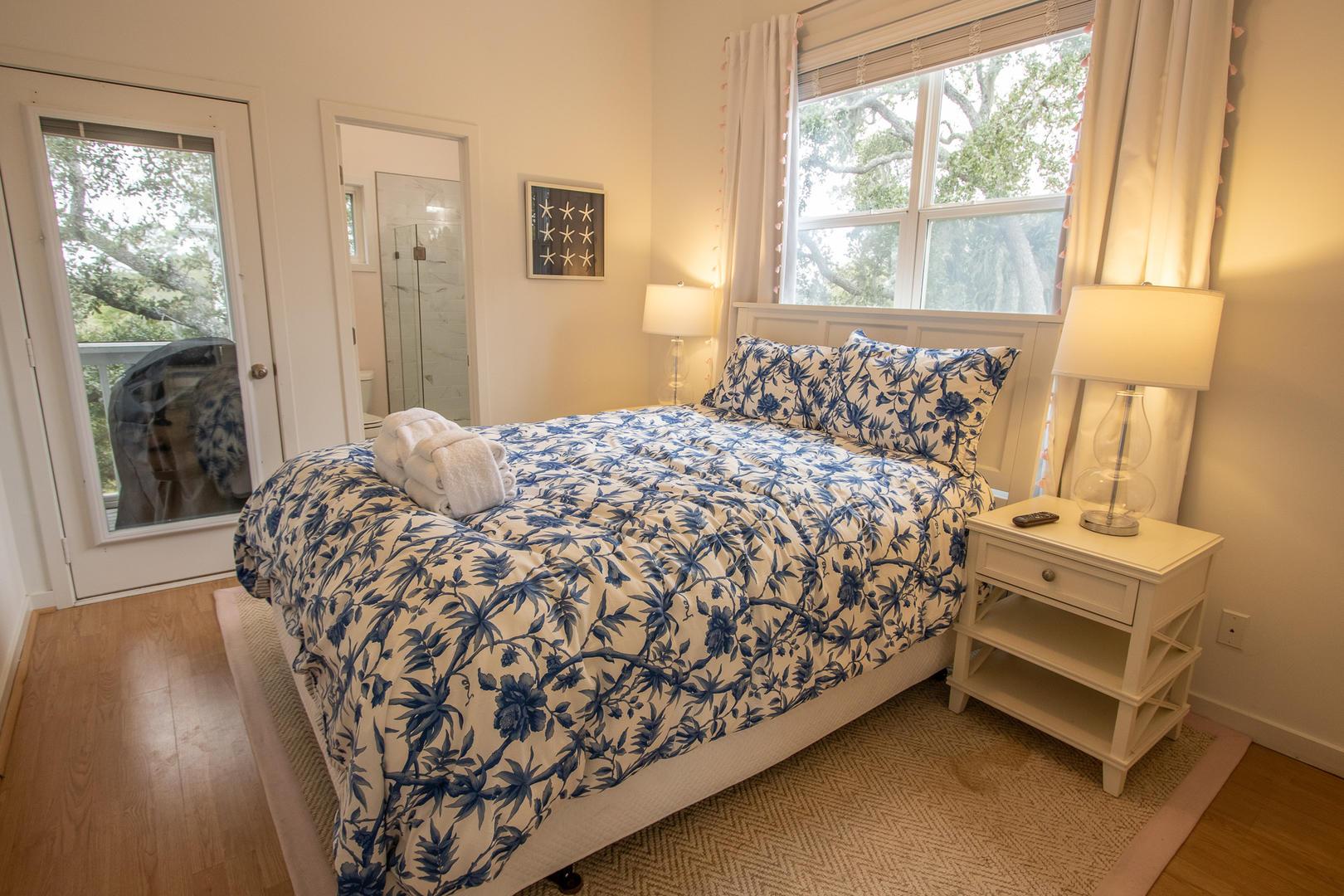 Bedroom 1, 2nd floor, TV, en suite full bath, access to screened balcony