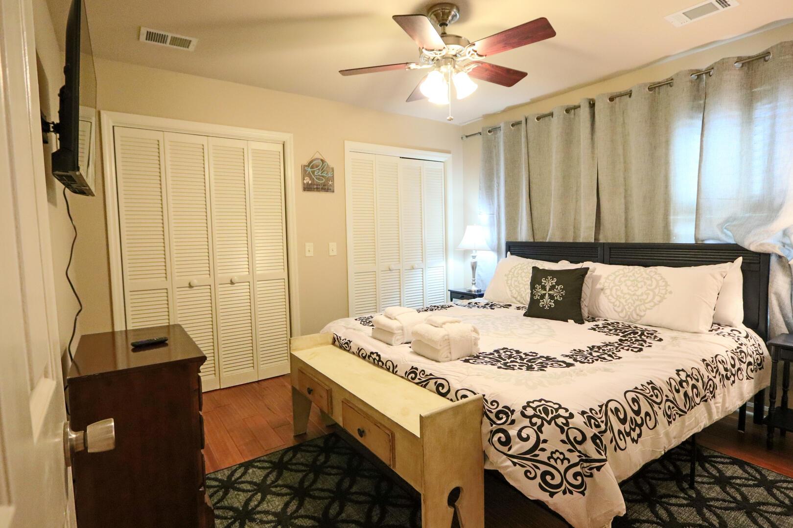 Bedroom 2, TV