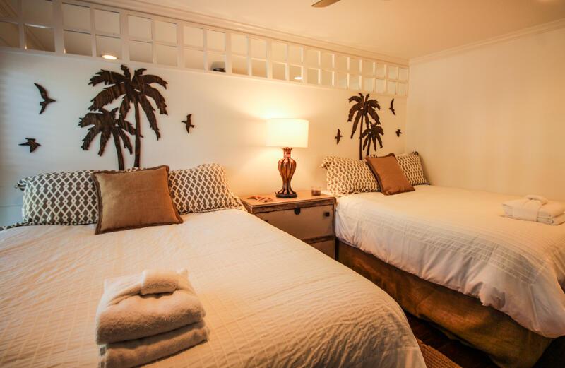 2 Queen size beds/first floor