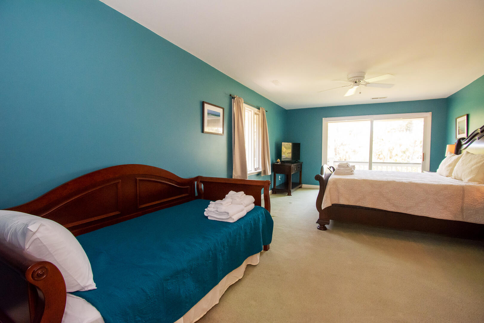Master King Bedroom with Twin Daybed and trundle