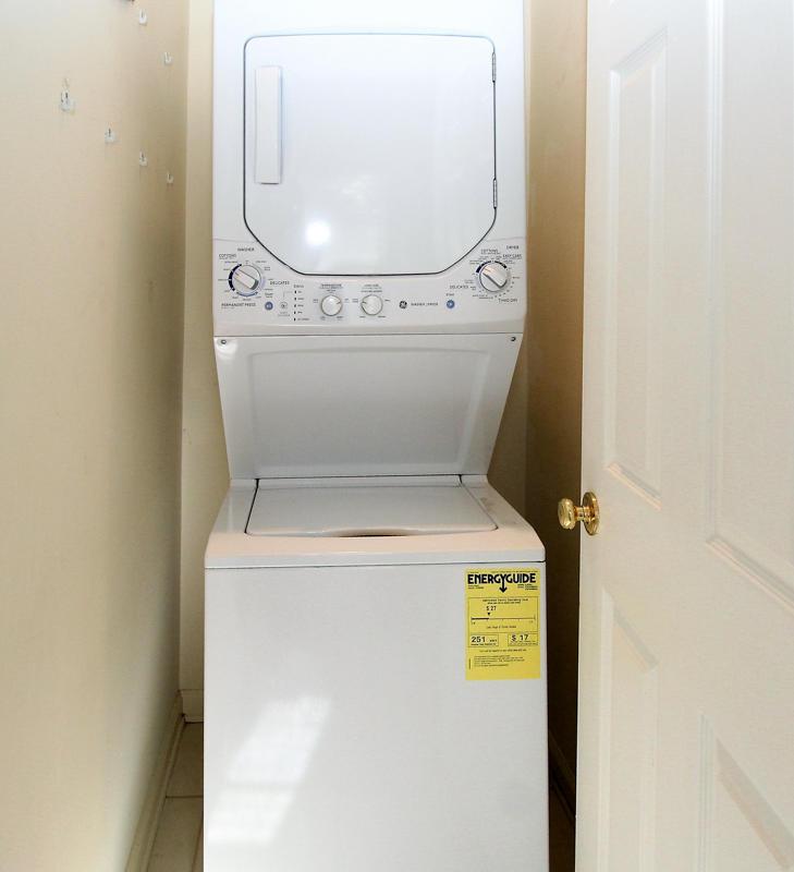 Washer/Dryer in Right En Suite Bath