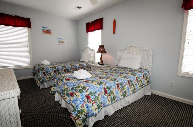 Twin Bedroom 2nd Floor