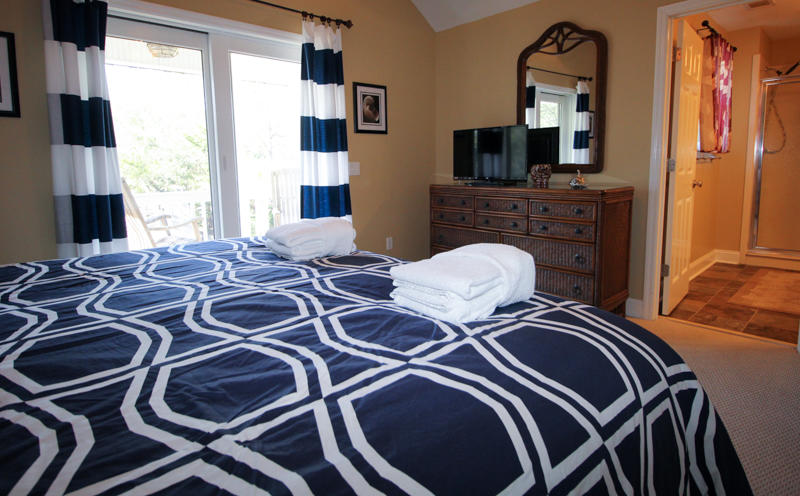 2nd Floor Right Side King Bedroom