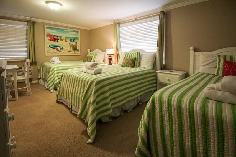 3 Full Beds - Bottom Floor