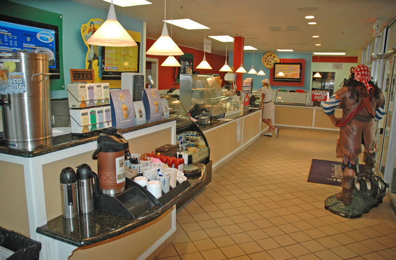 Food Court located in the center of the island