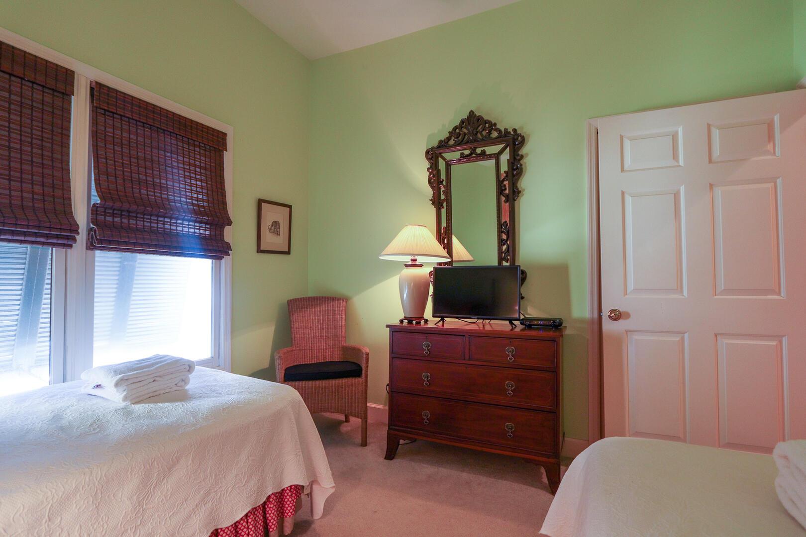 Twin bedroom in main hallway