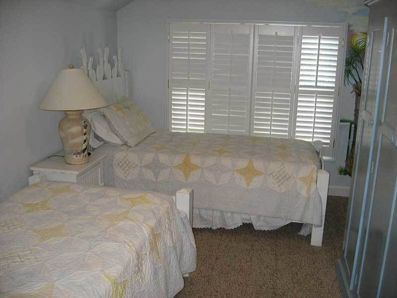 DOUBLE TWIN BEDROOM LOCATED ON TOP FLOOR WITH BATHROOM