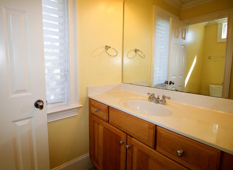 2nd Floor En Suite Bath