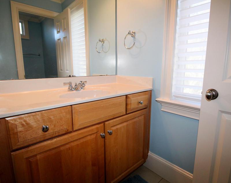 2nd Floor Bunk Room En Suite Bath