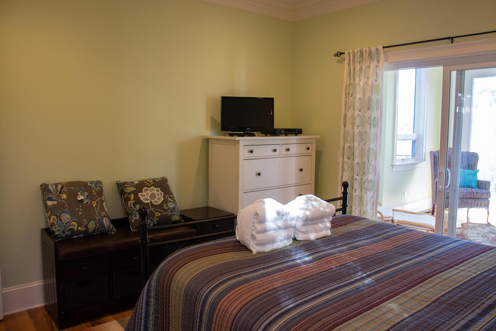 Bedroom 2,1st floor, TV
