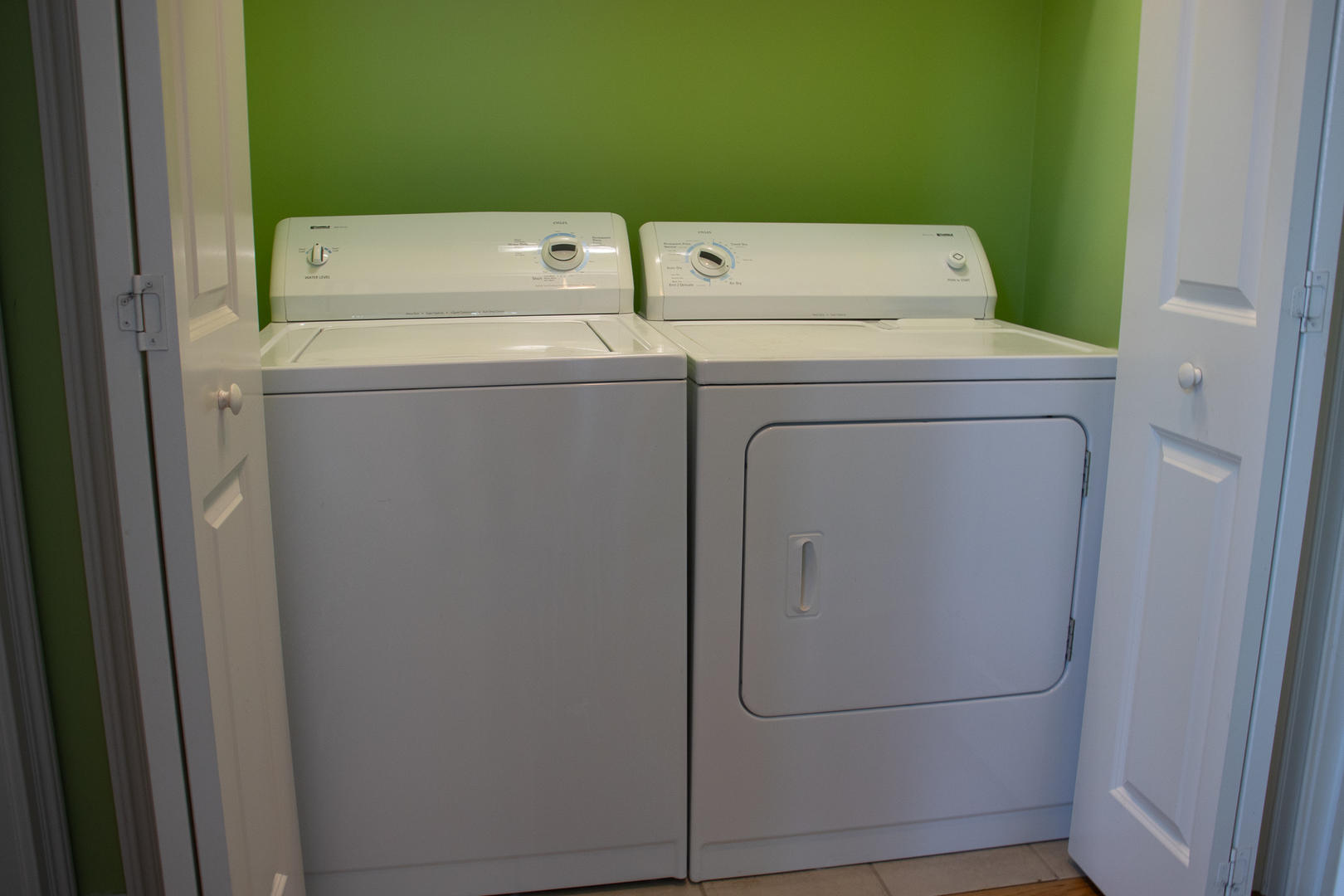 Laundry next to bedroom 2