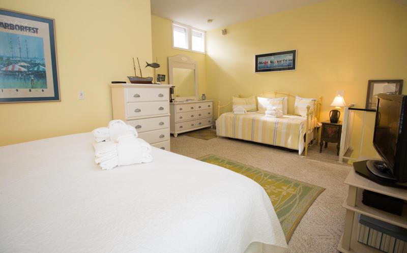 2nd Floor King Bed