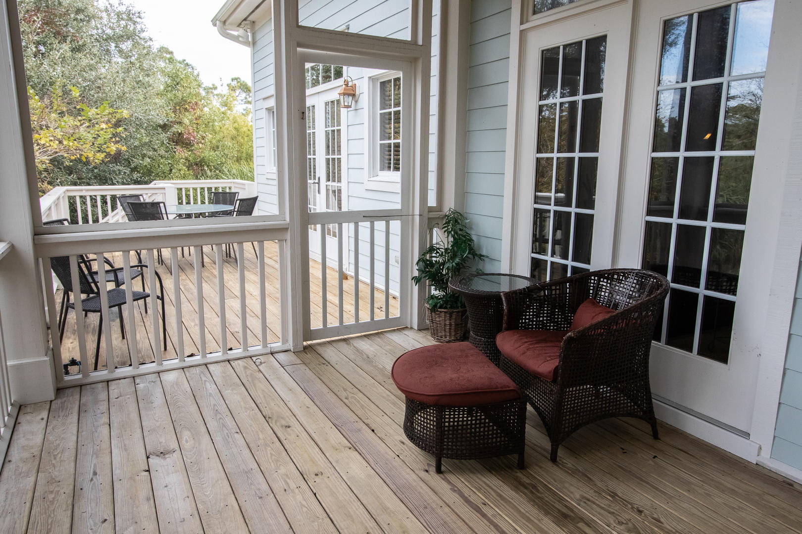 Back deck, screened porch with grill