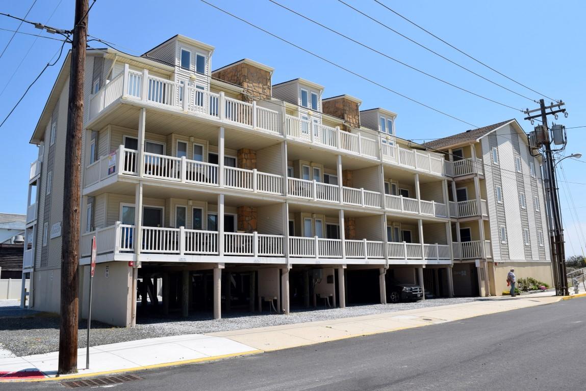 4400 Beach 307-SIC147
