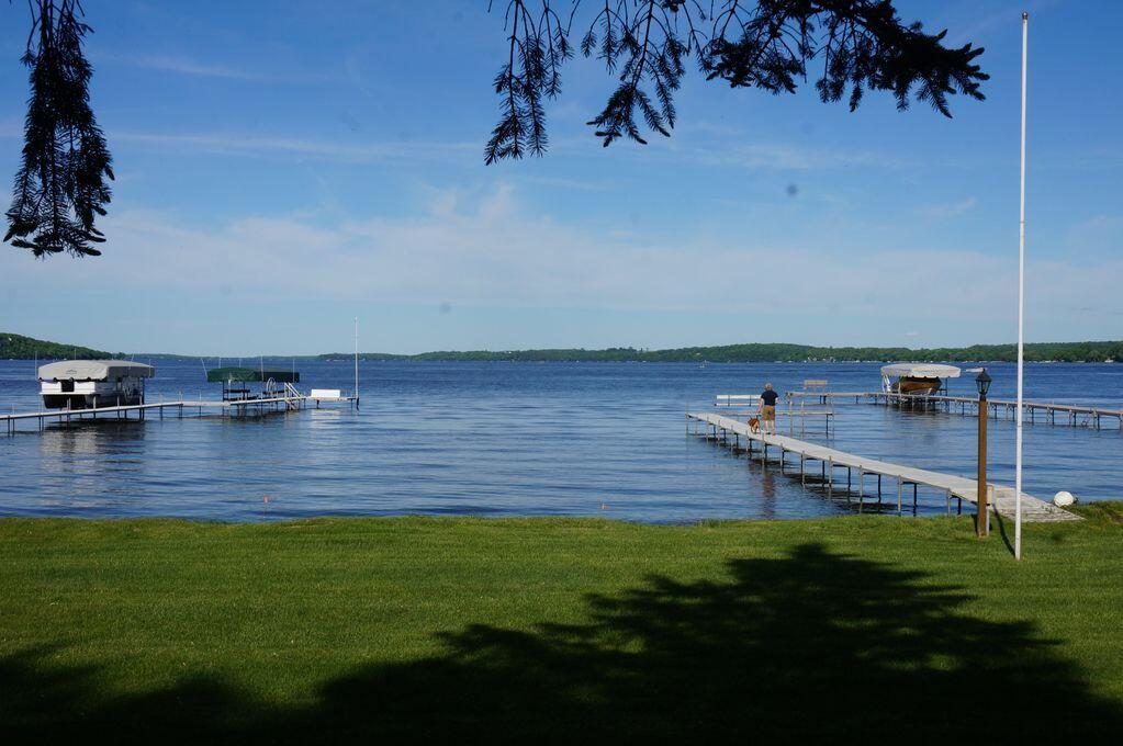 Waters Edge Green Lake-119