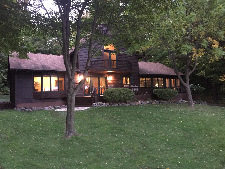 Lazy Pines Lodge-125