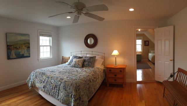 Second floor guest room