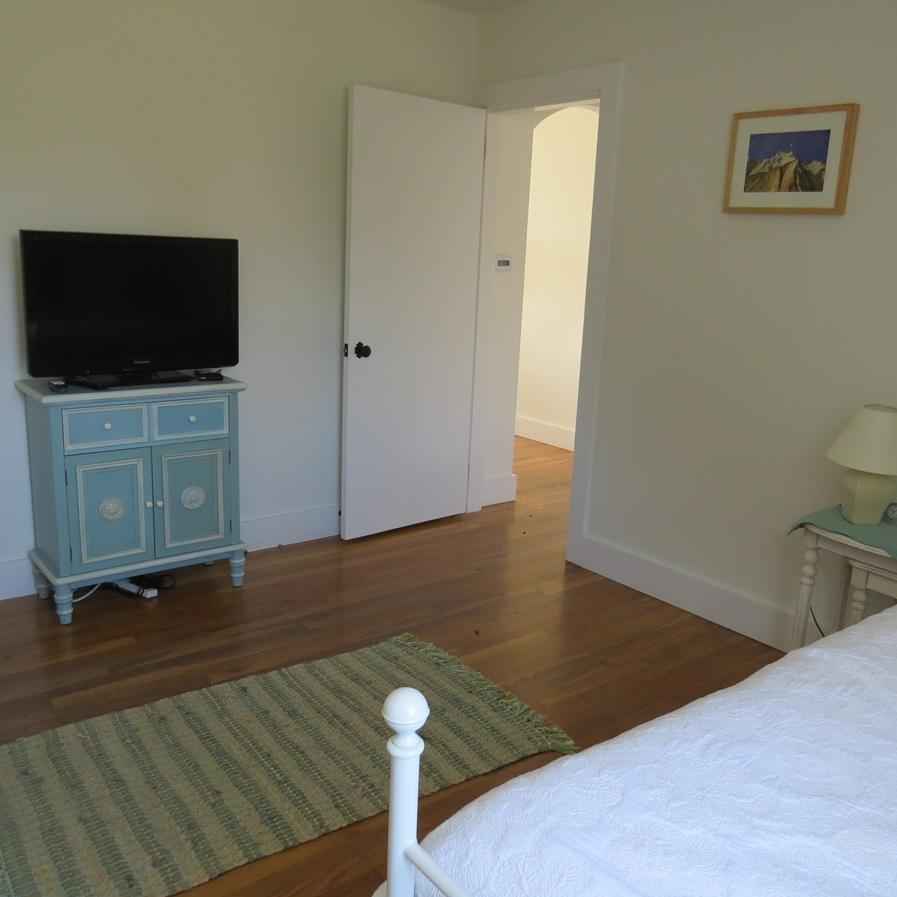another view of the trundle guest room