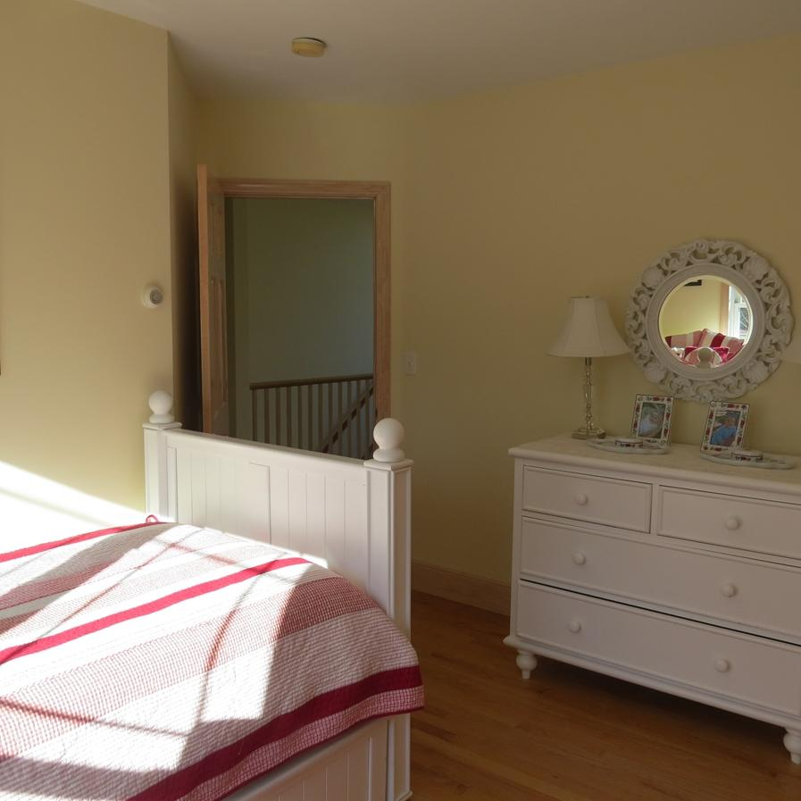 another view of thr trundle guest room