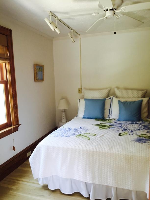 Firdt floor queen guest room